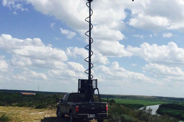 Vehicle retracting pole long range M7 Falcon dual camera thermal HD optics